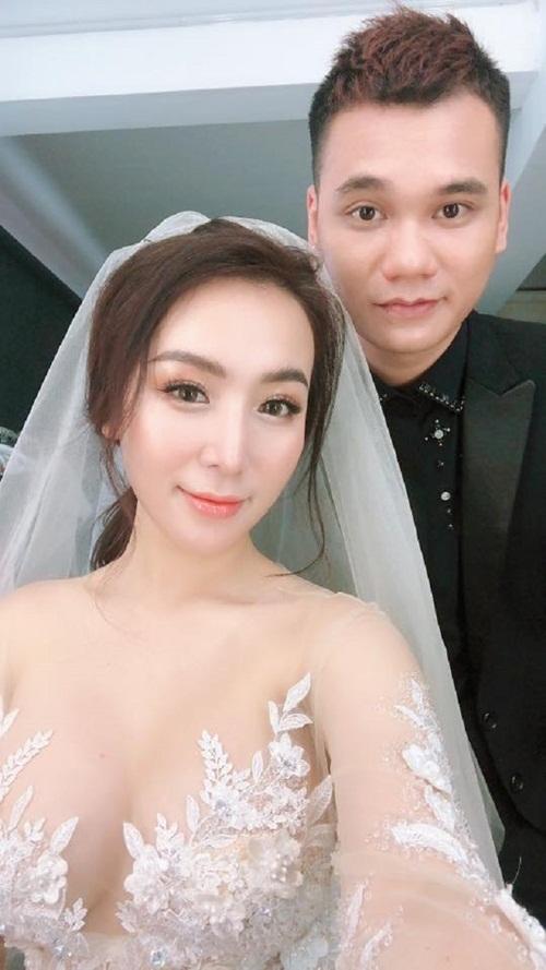 Hé lộ thiệp cưới và yêu cầu trong đám cưới Khắc Việt - Ảnh 2