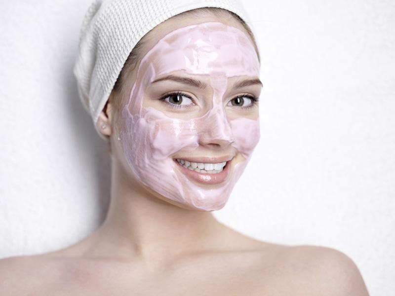 Thật đáng tiếc nếu bạn không biết công dụng dưỡng da tuyệt vời từ loại mặt nạ sữa chua này - Ảnh 1