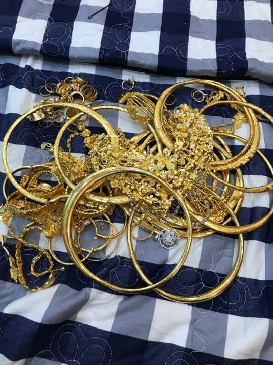 Xuất hiện 'đám cưới 100 cây vàng' đình đám đến mức cô dâu trĩu cổ, chật kín hai tay vì vàng ở Cà Mau khiến MXH xôn xao - Ảnh 8