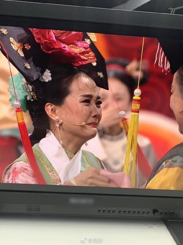 Dàn diễn viên Hoàn Châu Cách Cách và Diên Hi Công Lược ngày gặp lại trong nước mắt - Ảnh 3