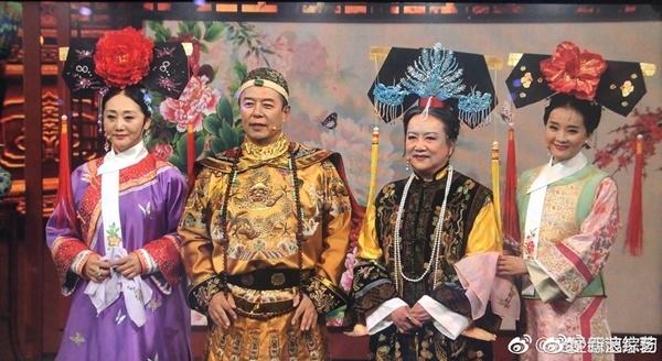 Dàn diễn viên Hoàn Châu Cách Cách và Diên Hi Công Lược ngày gặp lại trong nước mắt - Ảnh 4