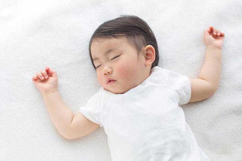 """Đoán tính cách bé yêu """"cực chuẩn"""" qua cách nằm ngủ thường ngày của con - Ảnh 2"""