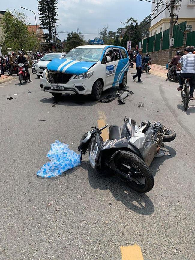 Gây tai nạn liên hoàn khiến nhiều người bị thương, nam thanh niên vẫn ngồi trong xe lắc lư theo nhạc - Ảnh 1