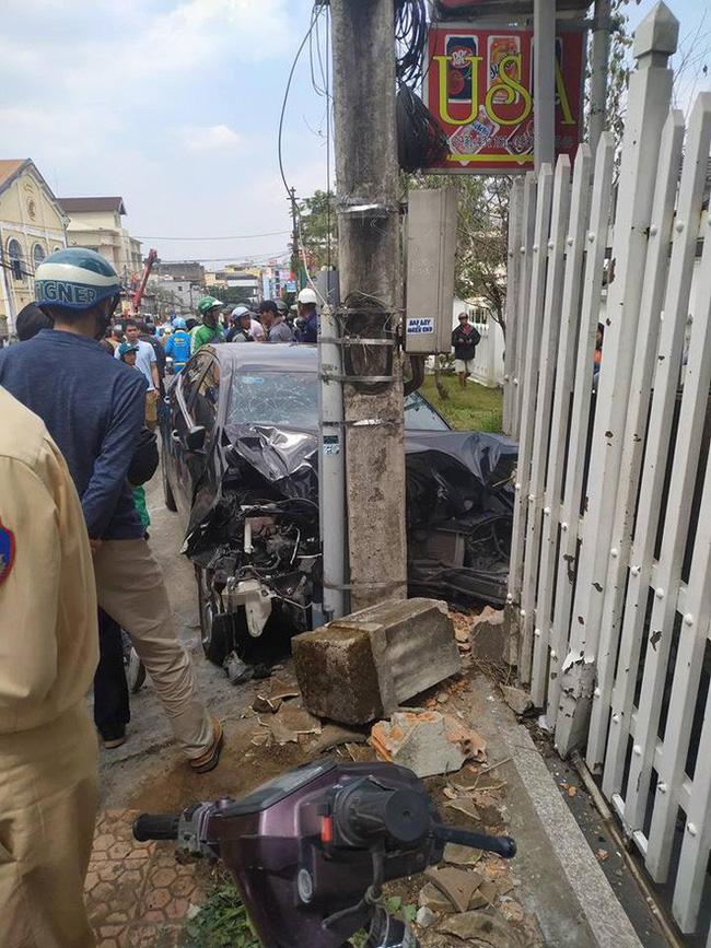 Gây tai nạn liên hoàn khiến nhiều người bị thương, nam thanh niên vẫn ngồi trong xe lắc lư theo nhạc - Ảnh 2