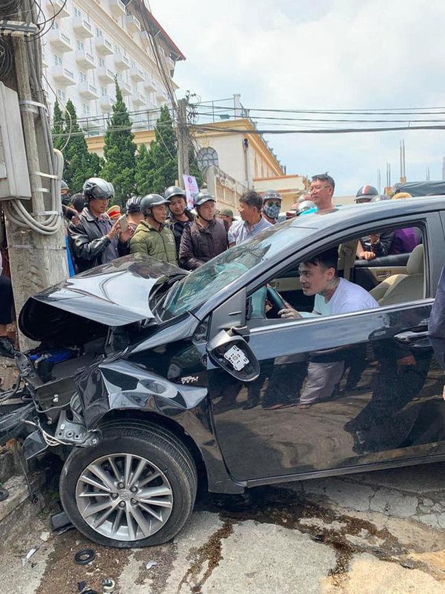 Gây tai nạn liên hoàn khiến nhiều người bị thương, nam thanh niên vẫn ngồi trong xe lắc lư theo nhạc - Ảnh 3