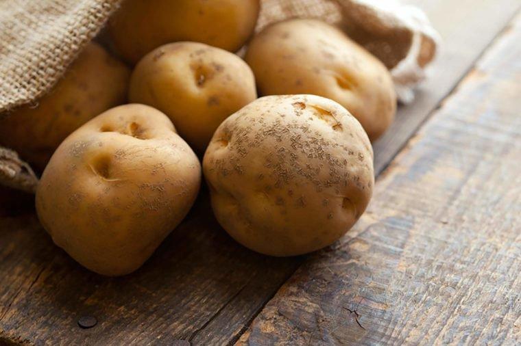 Không nấu chín 6 loại rau củ này, bạn đang làm hại cả gia đình - Ảnh 2