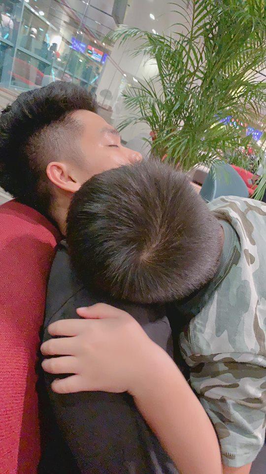 Mấy ai được như Lê Phương, chồng kém 7 tuổi cưng chiều con trai riêng của vợ như 'trứng mỏng' - Ảnh 4