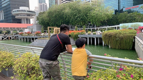 Mấy ai được như Lê Phương, chồng kém 7 tuổi cưng chiều con trai riêng của vợ như 'trứng mỏng' - Ảnh 7