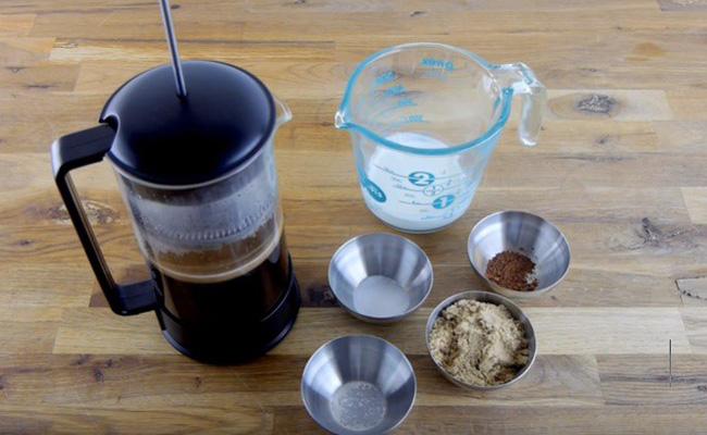 Dùng nguyên liệu này để pha cà phê, bạn sẽ bất ngờ với kết quả mình nhận được - Ảnh 1