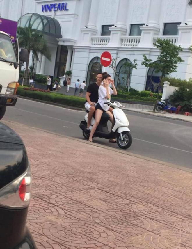 Hồ Ngọc Hà chở Kim Lý bằng xe máy mà không đội mũ bảo hiểm gây tranh cãi - Ảnh 2