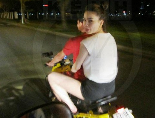 Hồ Ngọc Hà chở Kim Lý bằng xe máy mà không đội mũ bảo hiểm gây tranh cãi - Ảnh 3