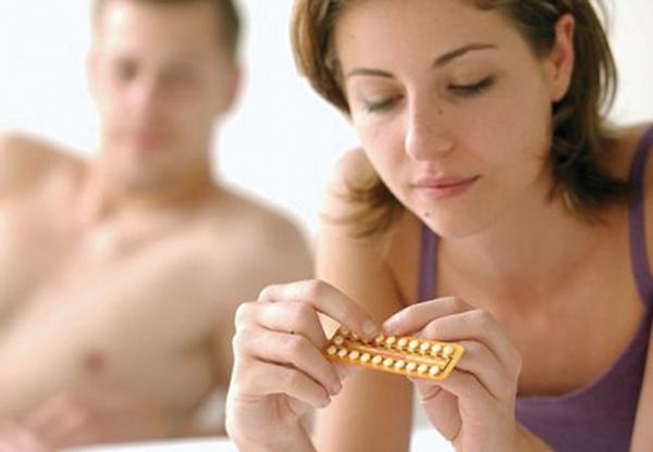 Thuốc tránh thai làm giảm ham muốn tình dục của phụ nữ? - Ảnh 1