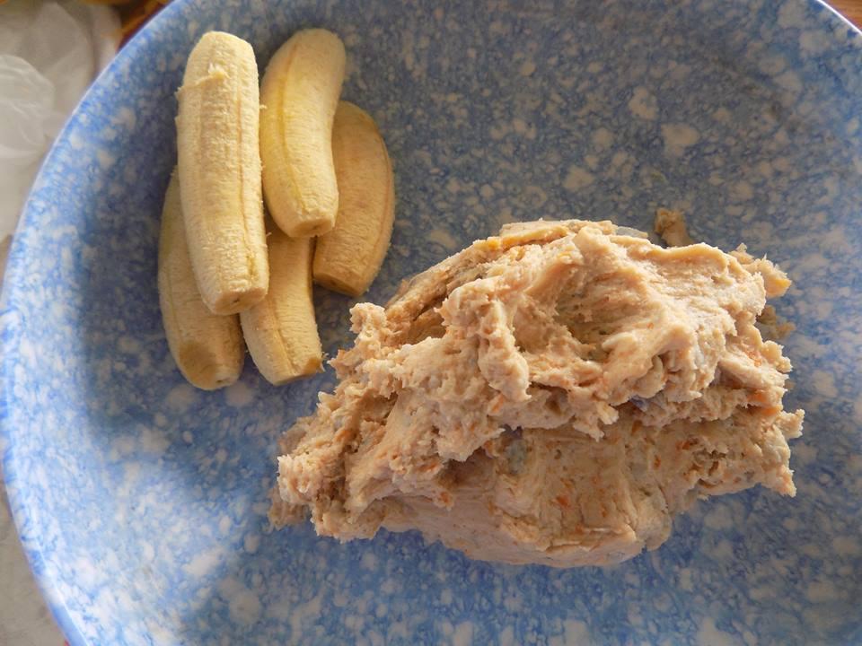 Cách làm bánh chuối khoai lang chiên giòn rụm, ăn hoài không biết chán - Ảnh 1