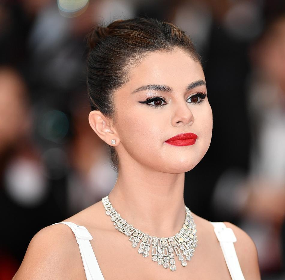 Không có Phạm Băng Băng, sao Hoa ngữ bị lấn át tại thảm đỏ Cannes 2019 - Ảnh 12