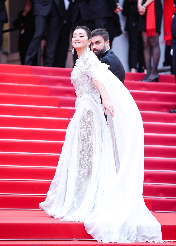 Không có Phạm Băng Băng, sao Hoa ngữ bị lấn át tại thảm đỏ Cannes 2019 - Ảnh 2