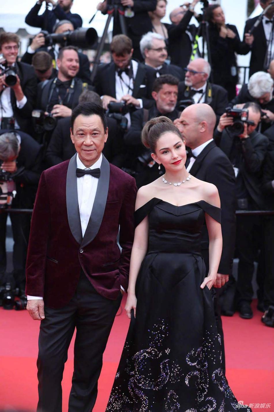 Không có Phạm Băng Băng, sao Hoa ngữ bị lấn át tại thảm đỏ Cannes 2019 - Ảnh 7