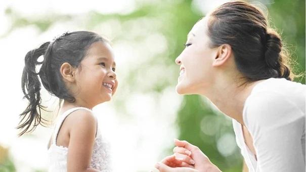 4 câu 'thần chú' giúp con vui vẻ và độc lập hơn cha mẹ cần ghi nhớ - Ảnh 1