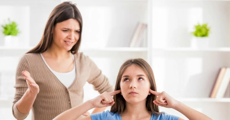 Dạy con kỷ luật: Cha mẹ dùng lời lẽ cay nghiệt với con sẽ để lại hậu quả gì? - Ảnh 2