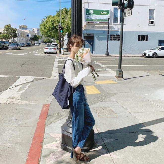 Đừng đắm đuối với túi da, mùa hè đeo túi vải vừa xinh vừa bảo vệ môi trường mới là đỉnh nhất - Ảnh 7