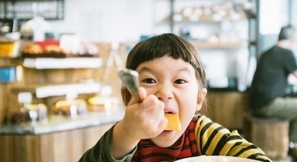 Kỹ năng nuôi dạy con siêu đẳng của cha mẹ Nhật để trẻ thông minh và có trách nhiệm hơn - Ảnh 4