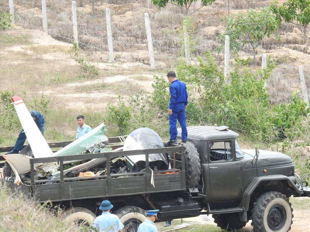 Máy bay quân sự rơi, 2 phi công hi sinh: Đang thu gom xác máy bay vỡ - Ảnh 4