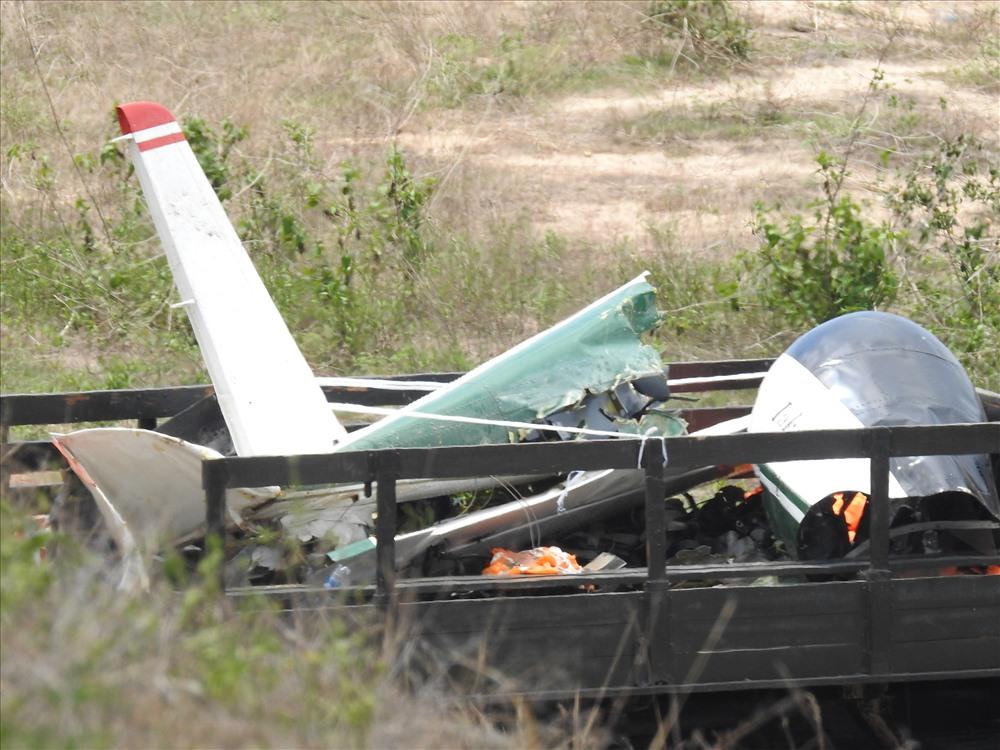 Máy bay quân sự rơi, 2 phi công hi sinh: Đang thu gom xác máy bay vỡ - Ảnh 6