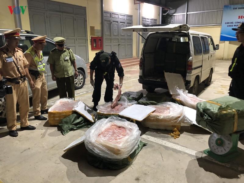 Tiêu hủy trên 700 kg nầm lợn nhập lậu ở Lạng Sơn - Ảnh 1