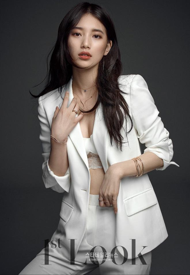 Sau tin 'hẹn hò' Rosé (BLACKPINK), Suzy lại gây xôn xao với ảnh tạp chí diện váy xẻ ngực sâu hoắm, e ấp vòng 1 - Ảnh 8