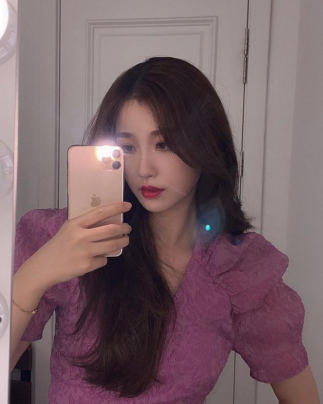 Trước thì học tập Jennie, giờ lại cắt tóc hao hao Lisa, tới bao giờ Ngu Thư Hân mới có bản sắc riêng nhỉ? - Ảnh 5