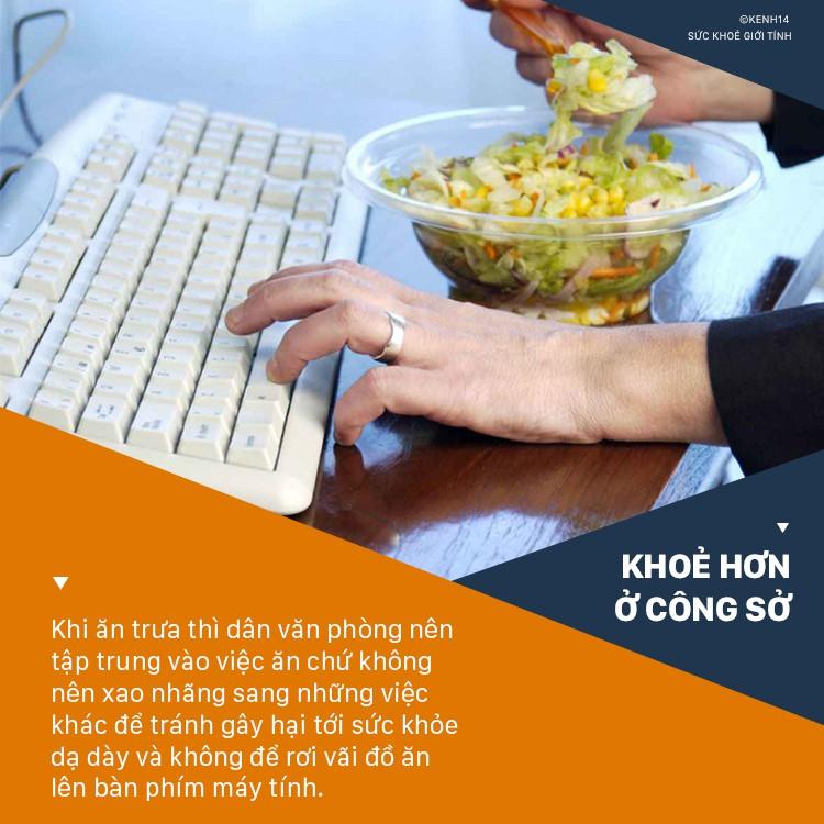 Ăn cơm trưa ở văn phòng cần tránh ngay 5 thói quen sau kẻo gây ảnh hưởng không tốt cho sức khỏe - Ảnh 3