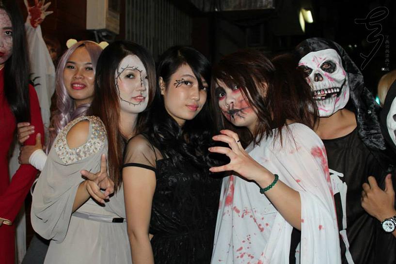 Hoạt động hóa trang trong đêm Halloween rất được mong chờ