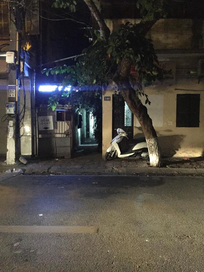 Vụ thanh niên chặn xe đâm bạn gái cũ giữa phố Hà Nội: 'Tôi chạy ra thì thấy cô ấy người đầy máu, miệng kêu cứu...' - Ảnh 3