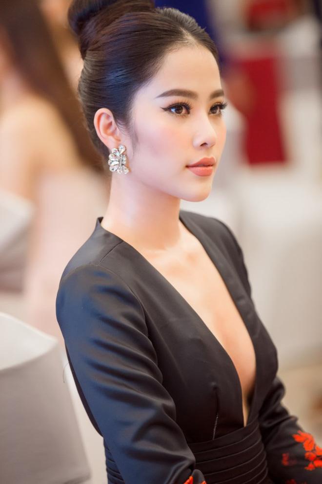Nhiều sao Việt từng suy sụp, trầm cảm vì áp lực dư luận - Ảnh 4