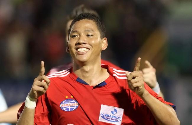 Anh Đức - cầu thủ vừa mở tỉ số cho Việt Nam: Kinh doanh từ 11 năm trước, giàu nức tiếng trong làng bóng đá - Ảnh 1