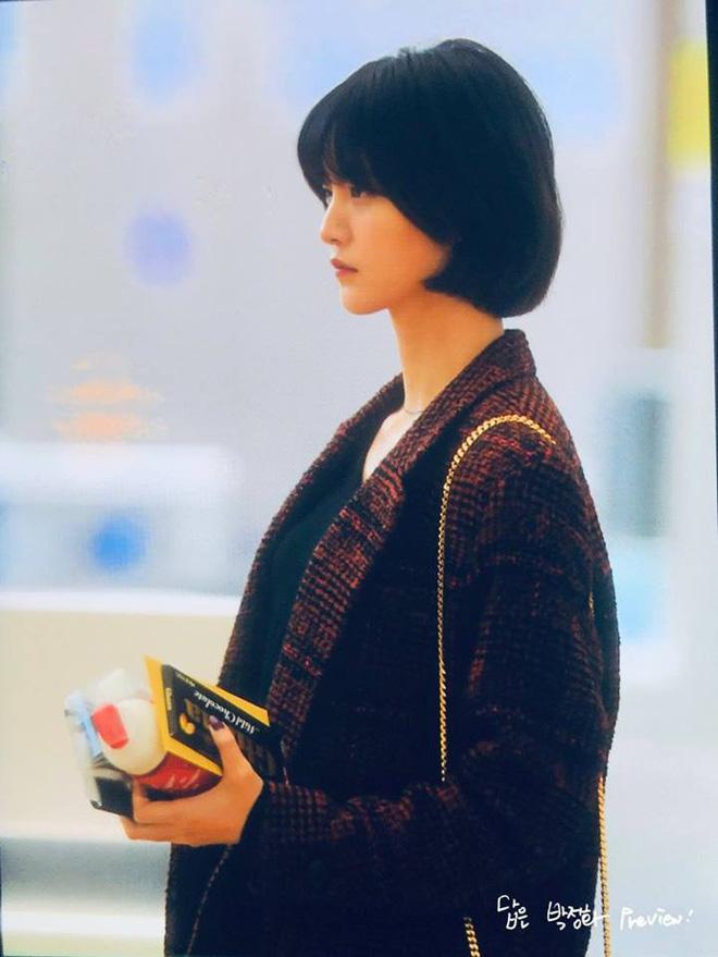EXID xuất hiện chớp nhoáng ở sân bay Tân Sơn Nhất, nữ thần Hani chiếm trọn spotlight - Ảnh 4