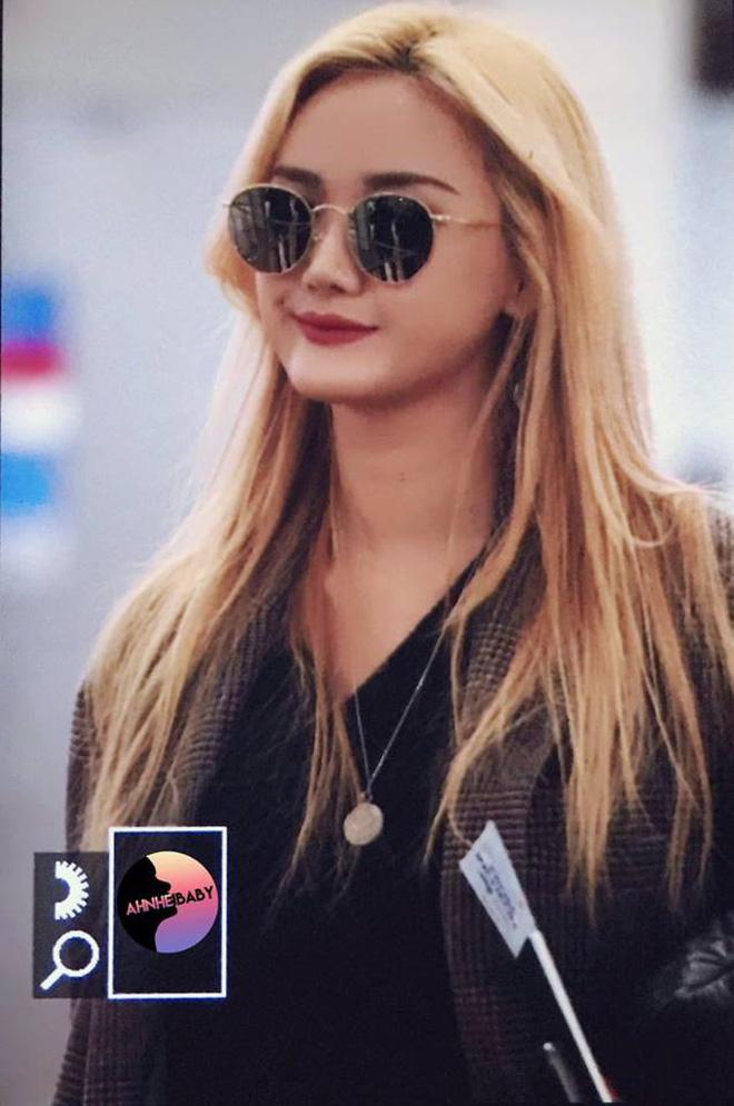 EXID xuất hiện chớp nhoáng ở sân bay Tân Sơn Nhất, nữ thần Hani chiếm trọn spotlight - Ảnh 7