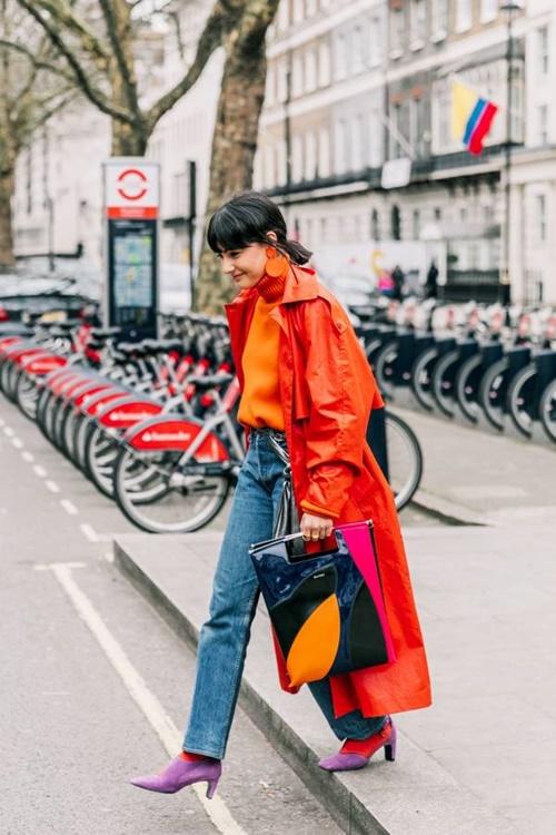 Quên kiểu quần jeans bó giò đi, đây mới là mốt jeans thống trị 2019 - Ảnh 10