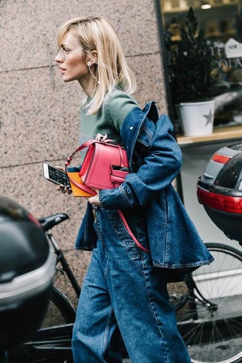 Quên kiểu quần jeans bó giò đi, đây mới là mốt jeans thống trị 2019 - Ảnh 8