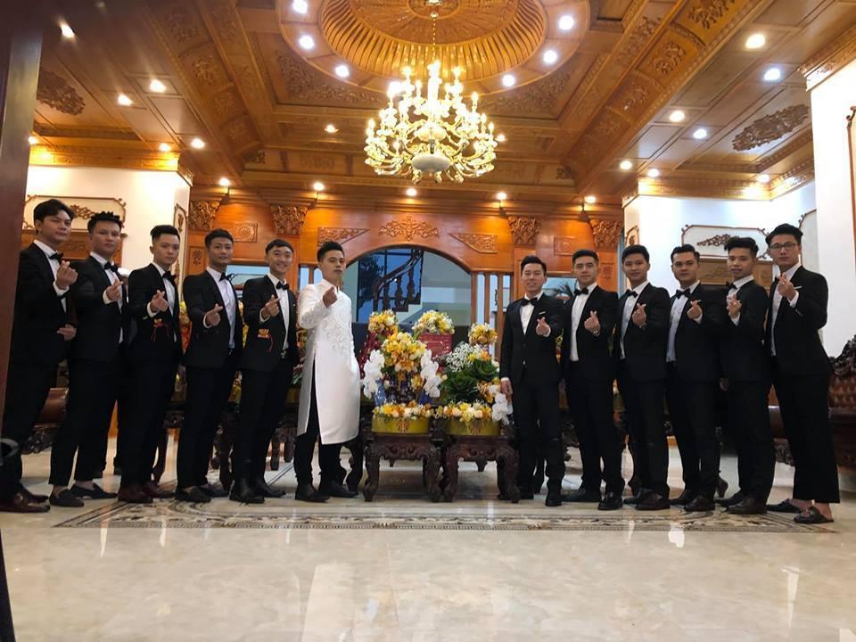 Lâu đài của đại gia Nam Định có con gái đeo vàng trĩu cổ ngày cưới - Ảnh 4