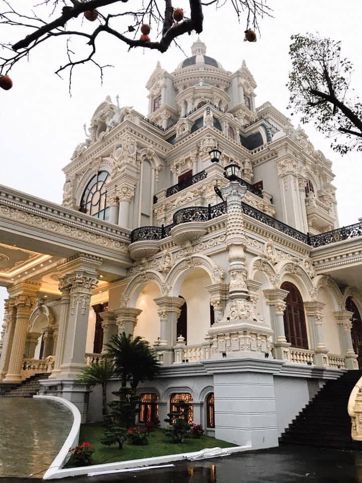 Lâu đài của đại gia Nam Định có con gái đeo vàng trĩu cổ ngày cưới - Ảnh 5