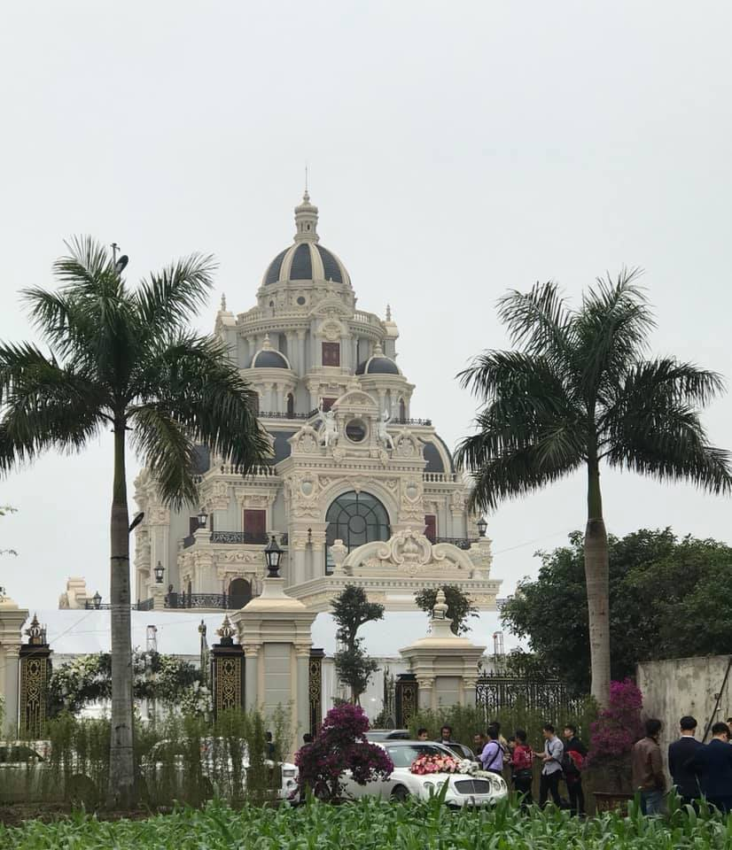 Lâu đài của đại gia Nam Định có con gái đeo vàng trĩu cổ ngày cưới - Ảnh 7