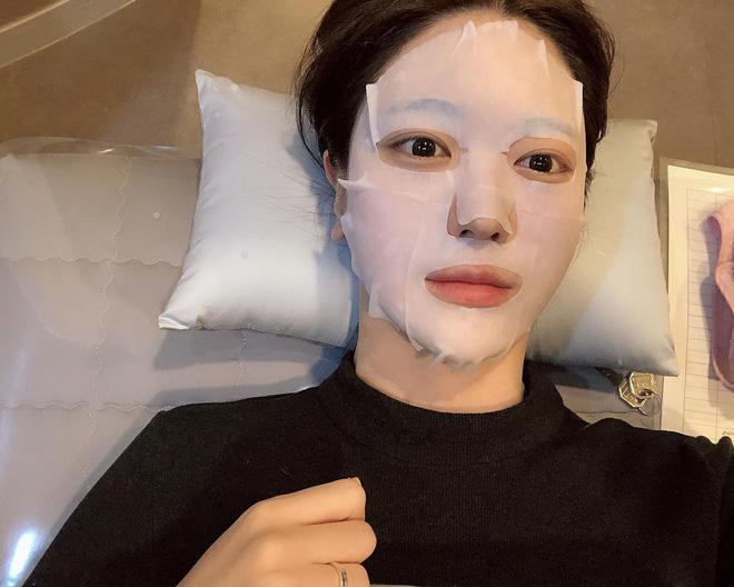 Bạn không thể có glass skin chỉ sau một đêm nhưng sẽ rút ngắn thời gian sở hữu được nó với 5 bí kíp từ chuyên gia - Ảnh 4