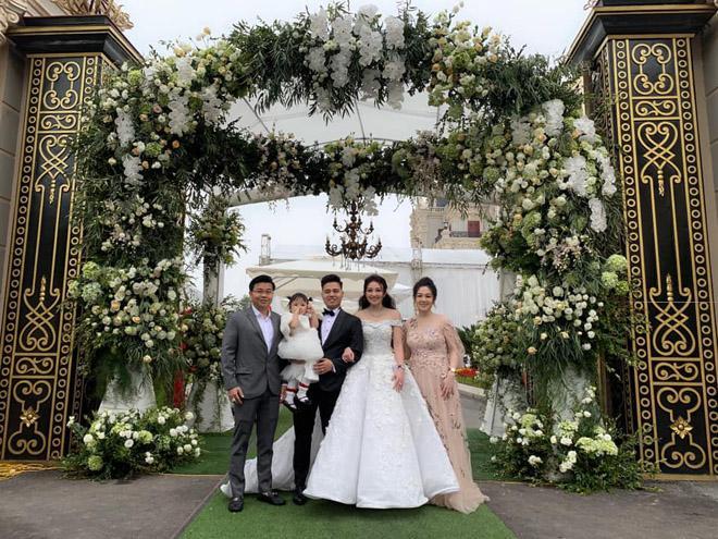 Cô dâu Nam Định được bố tặng 200 cây vàng: Chị gái từng được đón dâu bằng máy bay - Ảnh 2