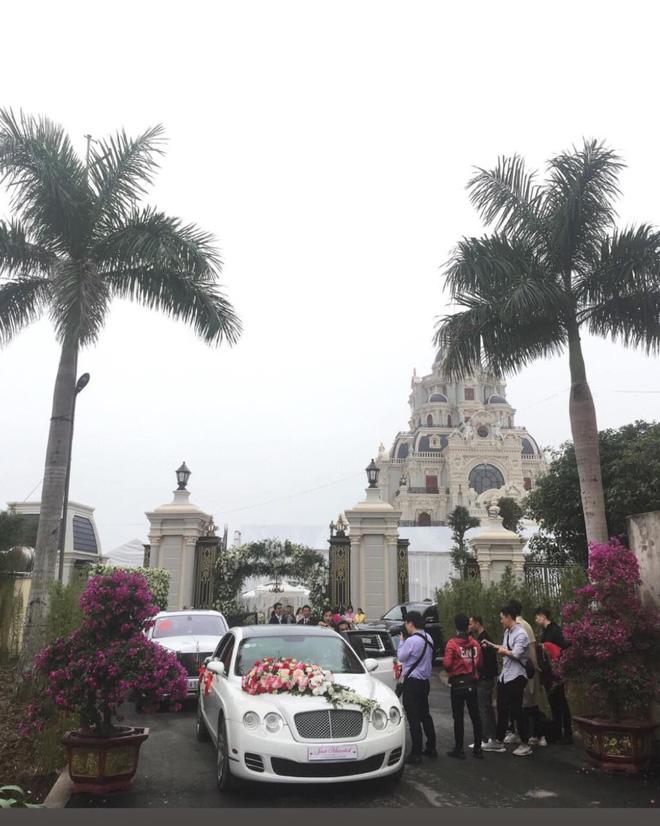 Cô dâu vàng đeo trĩu cổ sống trong lâu đài 7 tầng ở Nam Định: Bố mẹ cho 200 cây vàng, 2 sổ đỏ và rước dâu bằng Rolls-Royce Phantom 35 tỷ - Ảnh 3