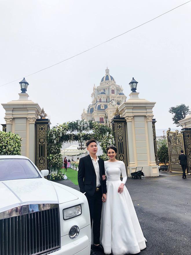 Cô dâu vàng đeo trĩu cổ sống trong lâu đài 7 tầng ở Nam Định: Bố mẹ cho 200 cây vàng, 2 sổ đỏ và rước dâu bằng Rolls-Royce Phantom 35 tỷ - Ảnh 4