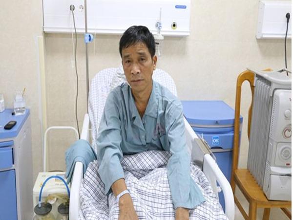 Ho khan 10 ngày, bác sĩ bất ngờ thông báo bị ung thư phổi - Ảnh 2