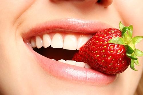 Mẹo làm trắng răng đón Tết - Ảnh 2