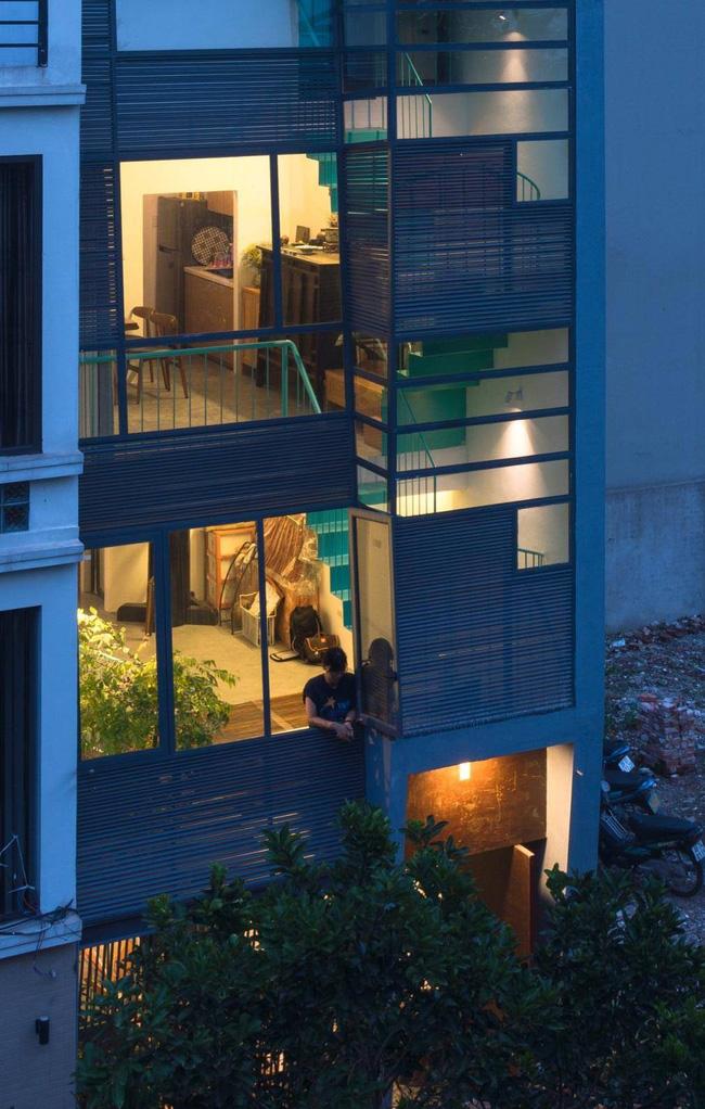 Ngôi nhà ống chỉ vỏn vẹn 36m² nhưng thoáng đẹp bất ngờ của gia đình có trẻ nhỏ ở Gia Lâm, Hà Nội - Ảnh 2