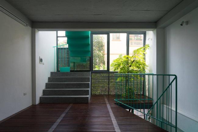 Ngôi nhà ống chỉ vỏn vẹn 36m² nhưng thoáng đẹp bất ngờ của gia đình có trẻ nhỏ ở Gia Lâm, Hà Nội - Ảnh 6