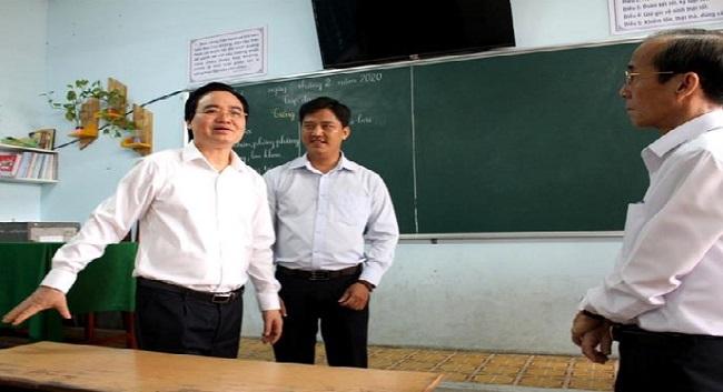 Bộ trưởng Phùng Xuân Nhạ: 'Tính mạng, sức khỏe của học sinh, giáo viên là trên hết' - Ảnh 1